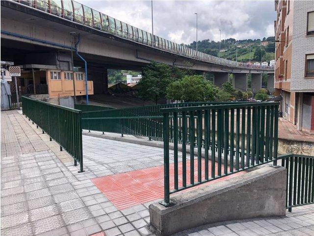 Obras de reurbanización de Estrada Zalbidea en Zorrotza, en Bilbao