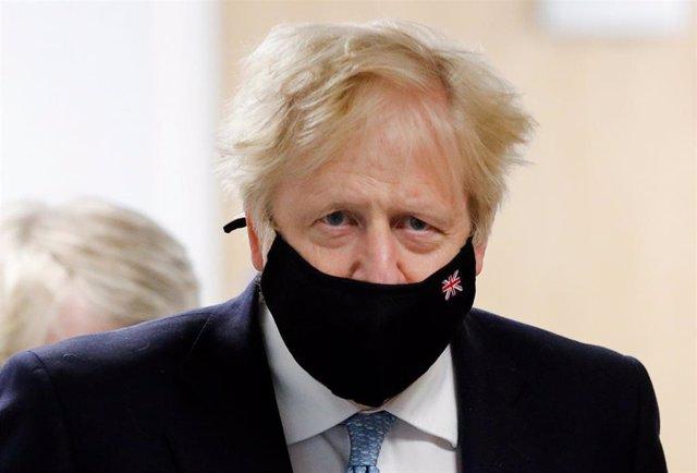 Visita del primer ministro británico, Boris Johnson, a la  academia Severn Trent en West Midlands