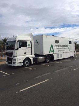 Archivo - Unidad móvil de la Junta en Arboleas