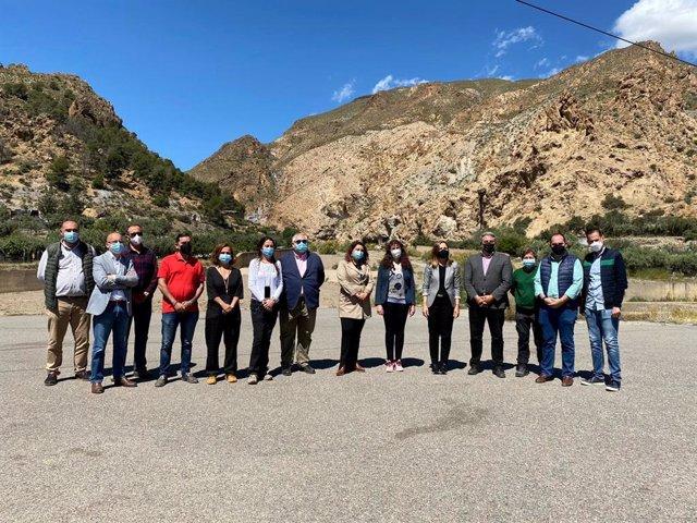 Carmen Crespo en su visita a Alboloduy (Almería)