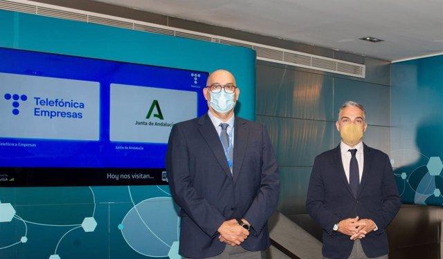 Reunión del consejero de la Presidencia de la Junta de Andalucía, Elías Bendodo, con el presidente de Telefónica España, Emilio Gayo.