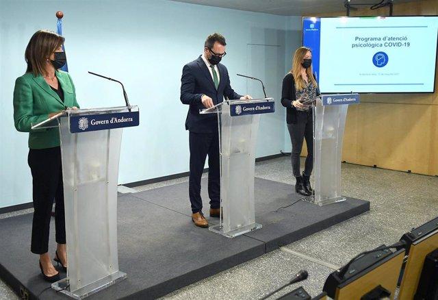 La ministra de Educación y Enseñanza Superior de Andorra, Ester Vilarrubla; el ministro de Asuntos Sociales, Víctor Filloy, y la secretaria de Estado de Salud, Helena Mas
