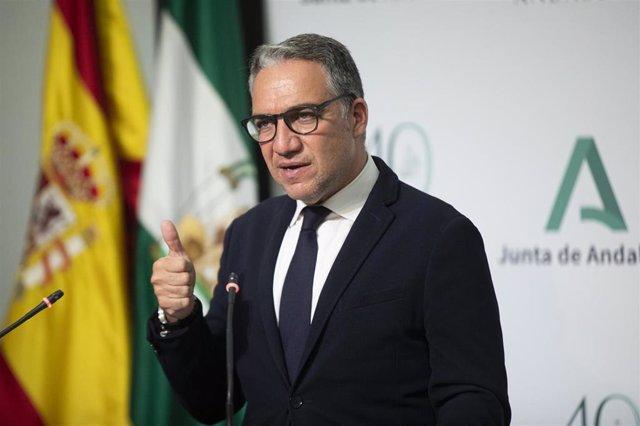 El consejero de Presidencia, Elías Bendodo , durante la rueda de prensa posterior a la reunión del Consejo de Gobierno de la Junta de Andalucía, a 11 de mayo de 2021, Sevilla (Andalucía, España).