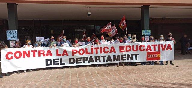 Concentració de CCOO Educació davant la Conselleria d'Educació de la Generalitat.