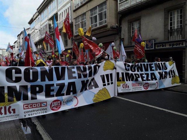 Manifestación de las trabajadoras de la limpieza en huelga