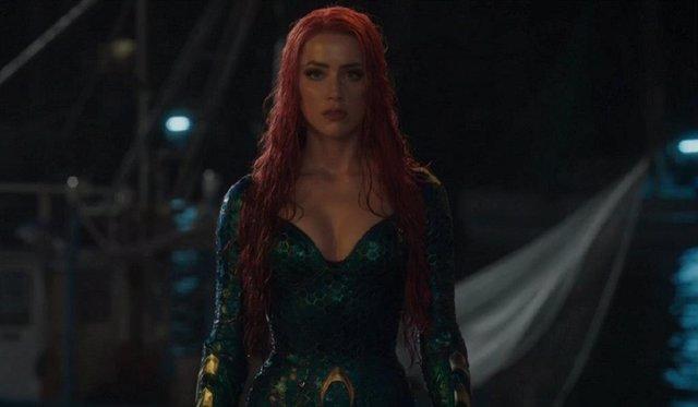 Aquaman 2: Amber Heard vuelve a enfundarse el traje de Mera* para dormir