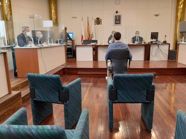 Acusado de atropellar y no auxiliar a otro joven en verano de 2016 en Santander, en el juicio contra él