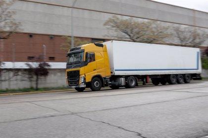 Las empresas deberán pagar la tasa de renovación de los conductores  profesionales, según el Supremo