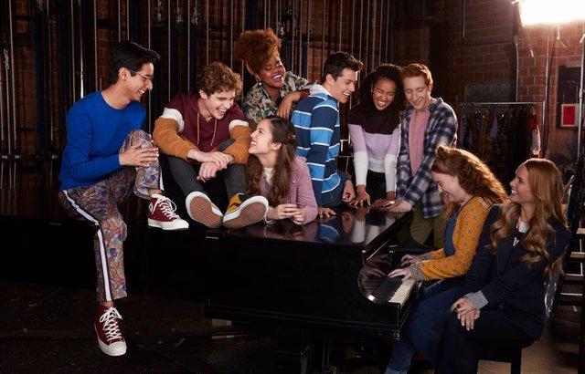 Archivo - La temporada 2 de High School Musical: El musical: La serie llega a Disney+ con homenaje a La bella y la bestia