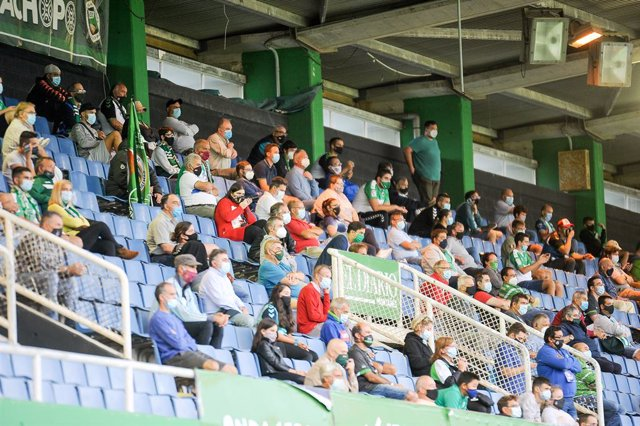 Archivo - Arxivo - Fans in the stands during the first soccer match with the public after the COVID19 pandemic in SmartBank League between Racing de Santander and Athletic Club de Bilbao B at El Sardinero Stadium on September 23, 2020, in Santander, Spain