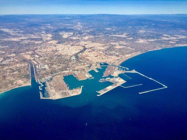 Archivo - Vista aérea del Puerto de València