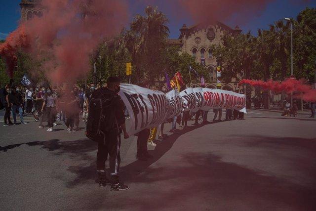 Arxiu - Manifiestació d'estudiants a Barcelona convocada pel Sindicat d'Estudiants dels Països Catalans (SEPC).
