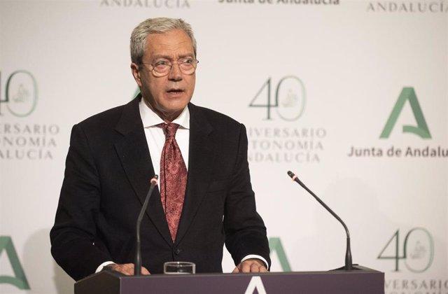 Archivo - Imagen de archivo del consejero de Transformación Económica, Industria, Conocimiento y Universidades, Rogelio Velasco.