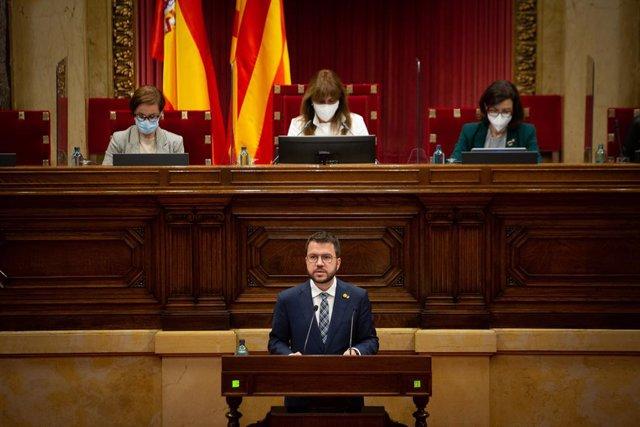 El vicepresident de la Generalitat en funcions i candidat d'ERC a la presidència, Pere Aragonès, en el ple del Parlament.