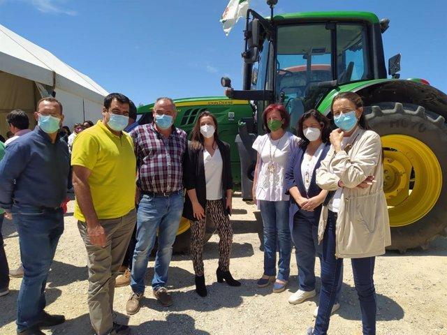 La delegada de Agricultura en Almería asiste a la concentración de organizaciones agrarias en Vélez-Rubio