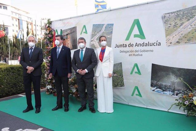 Celebración del acto 'Esperando volver a caminar' en Huelva
