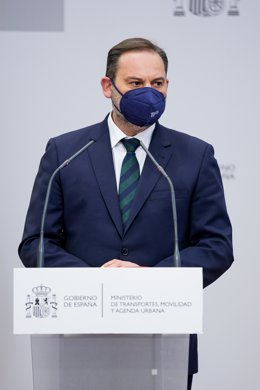 El ministro de Transportes, Moviliad y Agenda Urbana, José Luis Ábalos, durante una rueda de prensa.