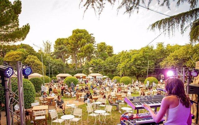 El Festival Jardins de Pedralbes programa 50 concerts a l'escenari Seat Mó.