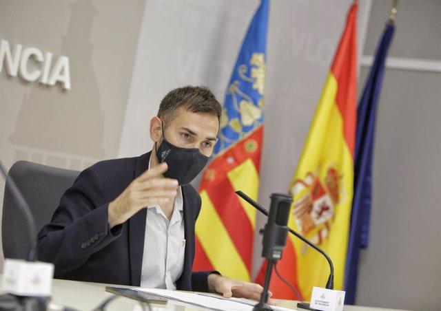 El vicealcalde de València i portaveu del govern local, Sergi Campillo, en la roda de premsa.