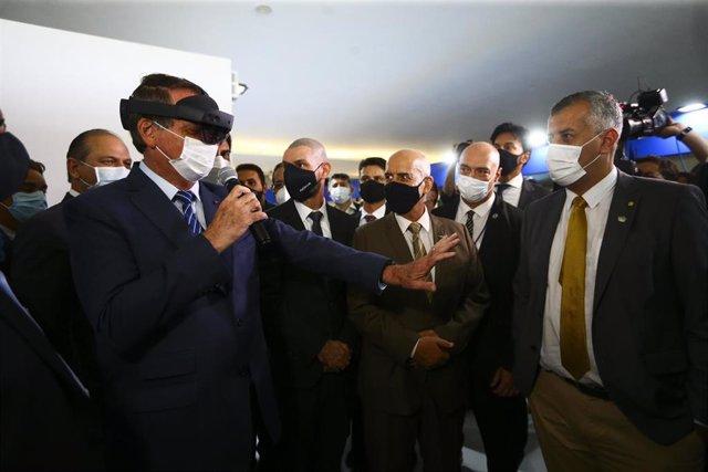 El presidente de Brasil, Jair Bolsonaro, y la realidad virtual