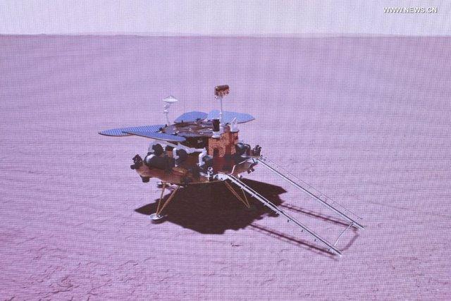La imagen gráfica simulada tomada el 15 de mayo de 2021 muestra la sonda de China aterrizando en Marte.