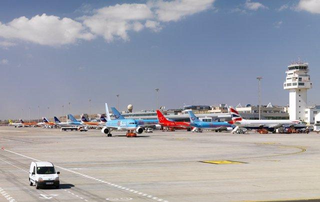 Archivo - Aeropuerto de Tenerife Sur