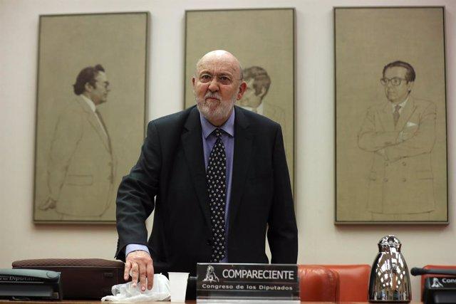 Archivo - El presidente del Centro de Investigaciones Sociológicas, José Felix Tezános, en la Comisión Constitucional del Congreso de los Diputados.