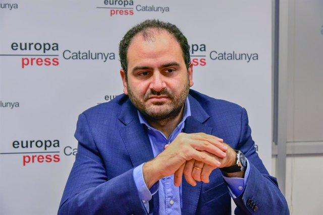 Archivo - Arxiu - El president de Societat Civil Catalana (SCC), Fernando Sánchez Costa, durant una entrevista a Europa Press, a Barcelona.
