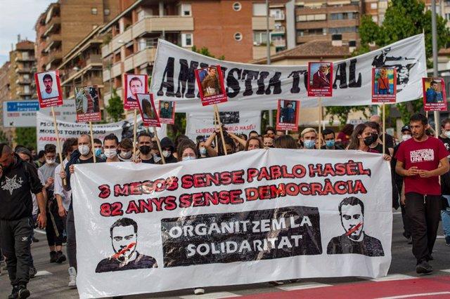 Unes 500 manifestants per Pablo Hasél a Lleida tres mesos després d'entrar a la presó