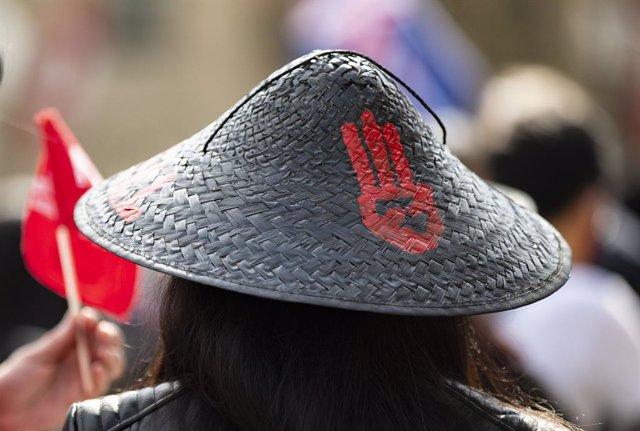 Protesta contra la junta militar de Birmania en Londres