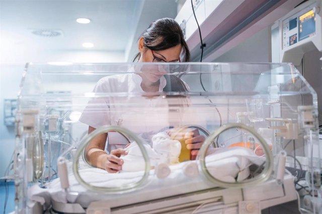 Archivo - Bebé prematuro