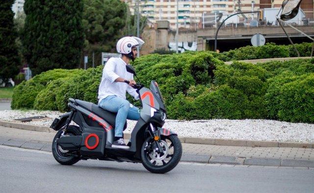 Archivo - Arxiu - Seat Mó impulsa el 'motosharing' a l'Hospitalet de Llobregat.
