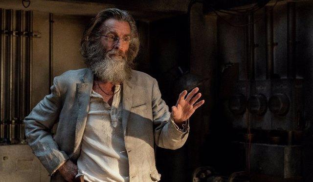 Fear The Walking Dead revela el truculento pasado de Teddy como asesino en serie y cómo mataba a sus víctimas