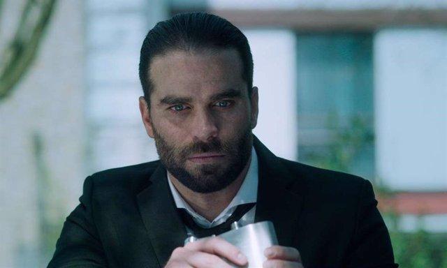 Manolo Cardona promete que la temporada 2 de ¿Quién mató a Sara? resolverá todos los misterios