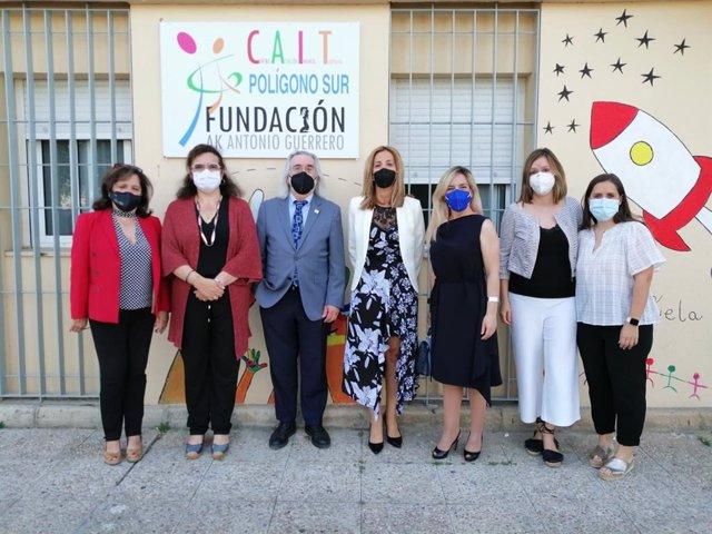 Visita de responsables de Educación al nuevo CAIT del Polígono Sur