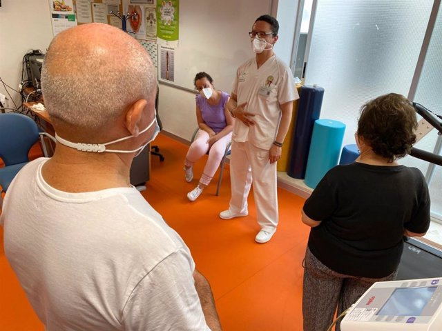 Una sesión del programa de Rehabilitación Cardiaca en el Hospital Infanta Margarita.