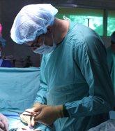 Foto: La extirpación de la vesícula por laparoscopia evita trastornos graves como la pancreatitis, según Vithas