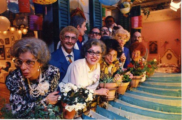 Fotograma de la sèrie televisiva 'Els Teresines S. a.', creada i interpretada per la companyia de teatre La Cubana