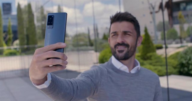 Vivo lanza una campaña en redes sociales junto a David Villa para llevar a sus fans a la Euro2020