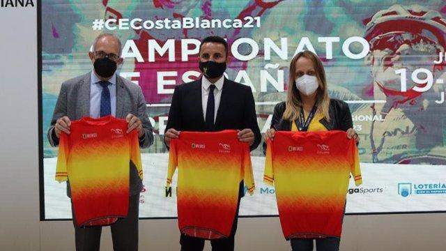 La RFEC presentó los recorridos del Campeonato de España de ciclismo de 2021 en la feria de FITUR.