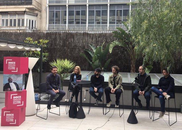 Els cineastes Marc Parramon,Alba Sotorra,Ida Cuéllar,Pepe Andreu i Rafa Molés presenten els seus últims treballs al festival DocsBarcelona.