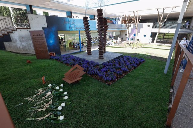 L'Hospitalet de Llobregat ha presentat el Jardí de les Emocions, un espai que homenatja les víctimes de la Covid-19