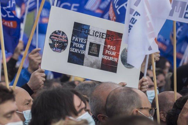 Manifestación de la Policía en París.