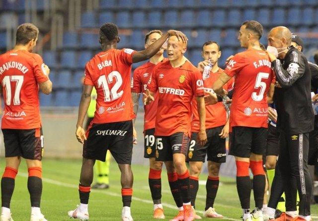 El Mallorca celebra su victoria ante el Tenerife ya con el ascenso conseguido