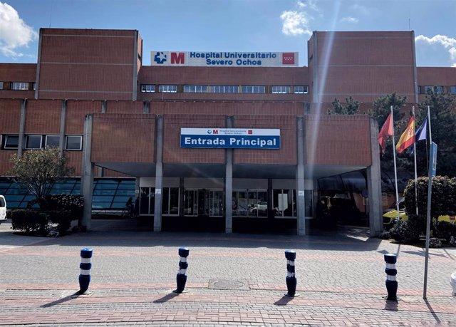 Archivo - Entrada principal del Hospital Severo Ochoa de Leganés.