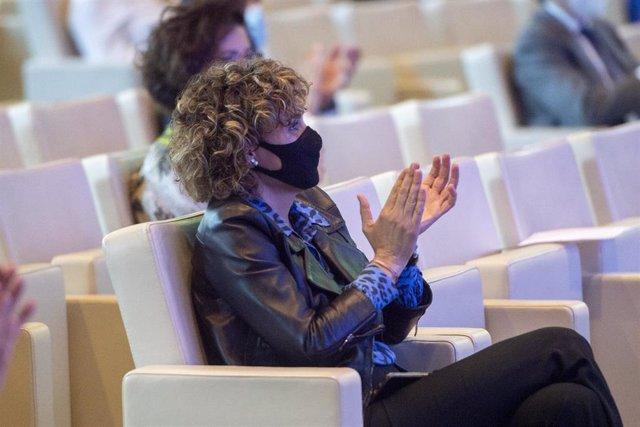 La portavoz del PP en el Parlamento europeo, Dolors Montserrat, aplaude durante la clausura el acto 'Europa: retos de la nueva era', a 10 de mayo de 2021, en Madrid, (España). Organizado por el Partido Popular Europeo, el encuentro conmemora el Día de Eur