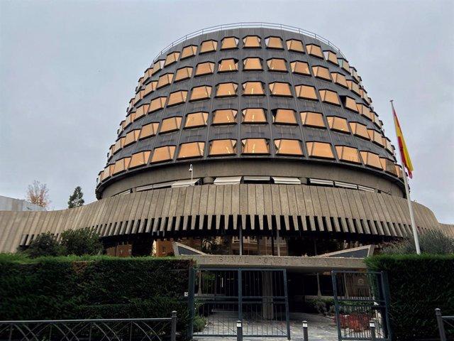 Archivo - Arxiu - Façana de l'edifici del Tribunal Constitucional d'Espanya.