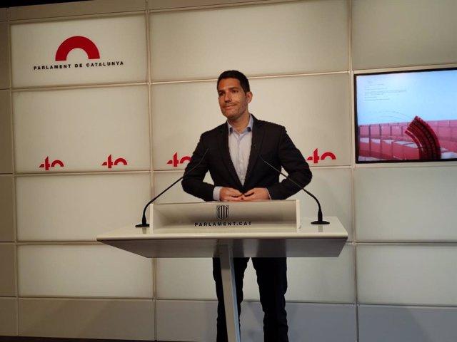 El diputat de Cs en el Parlament Nacho Martín Blanco en roda de premsa en el Parlament el 20 d'abril de 2021