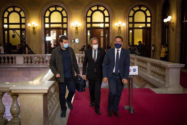 L'expresident de la Generalitat Quim Torra arriba al Parlament per assistir al ple d'investidura del candidat d'ERC Pere Aragonès.