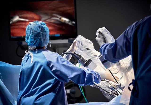 Archivo - ABEX_da Vinci Xi cirugía